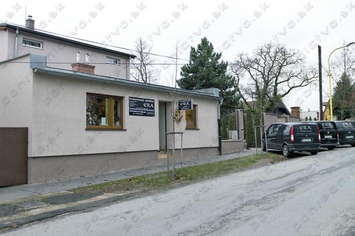 ddb1be58d Predstavujeme Vám pohrebné služby pôsobiace v Prešove, Sabinove a okolí,  ktoré sú členom SAPaKS. Svojimi 37 ročnými skúsenosťami vedia pomôcť  zákazníkovi s ...